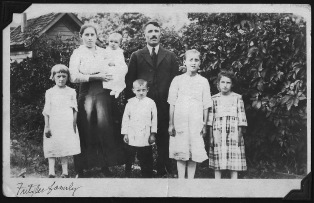 Carl Fritzler Family Left to right: Anna, Eva, Edward, Carl Jr. Carl Sr. Mollie, and Emma.